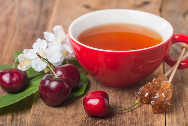 Чай с вишней и имбирем